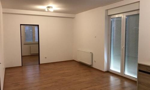 /thumbs/fit-500x300/2018-06::1529669014-img-0650-salon-obok-kuchni-drzwi-do-sypialni.jpg